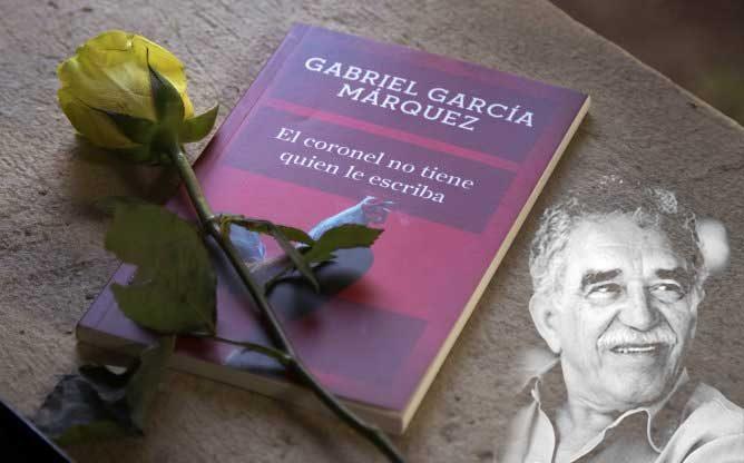 La institución ha organizado una lectura continuada del 'Coronel no tiene quien le escriba' para homenajear al escritor.