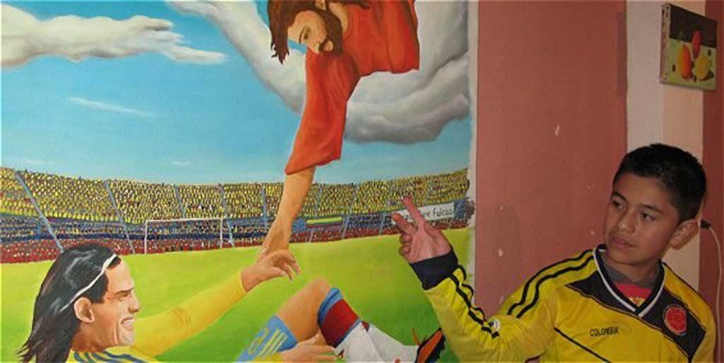 Sandro Cerón pintó un cuadro sobre la lesión del delantero. Sueña con entregárselo personalmente.