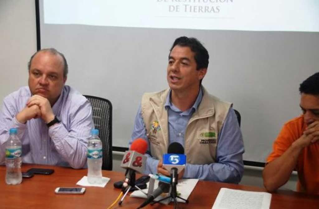 El director nacional de la Oficina de Restitución, Ricardo Saboga, hizo las denuncias respectivas.