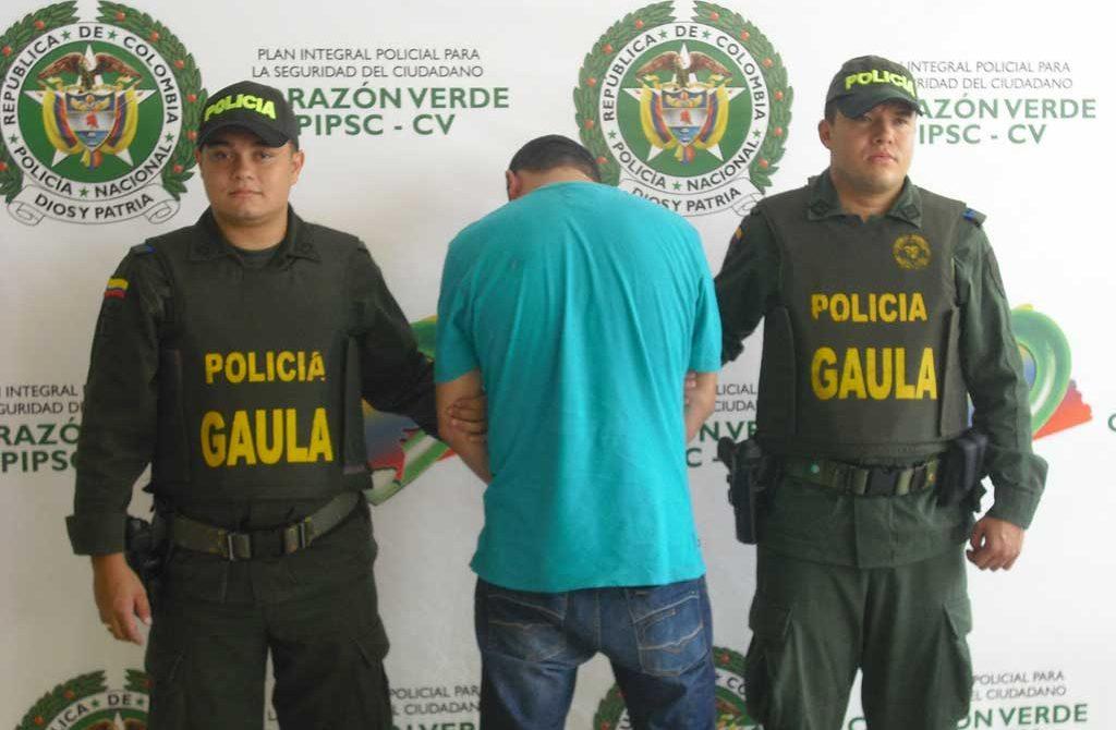 """Policía de Córdoba, capturó a alias el """"Hechicero"""", quien utilizaba magia negra para extorsionar a sus victimas."""