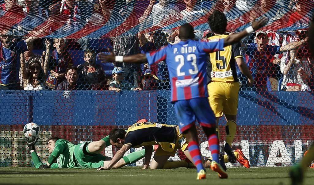 Los dirigidos por el argentino Diego Simeone buscaban dar un paso más hacia el título pero fueron sorprendidos por Levante, que ganó por 2-0, en un partido de la 36ta. fecha del certamen.