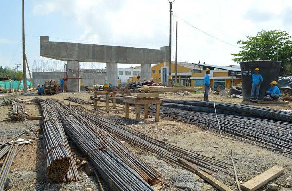 Paso a paso siguen las obras del puente de la 29, manifestó el alcalde Correa.