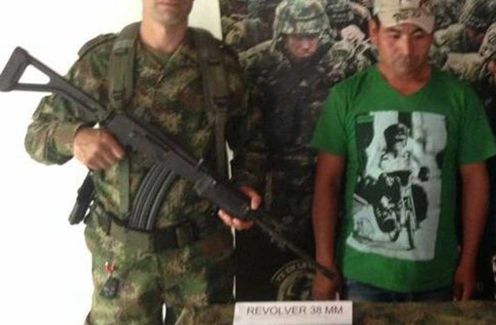 """Mauricio Olivares, supuesto integrante del """"Clan Usuga"""", capturado por el Ejército Nacional."""
