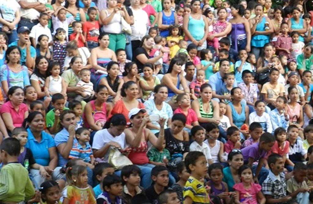 ICBF y COMFACOR, festejaron con las familias cordobesas su día, con el objetivo de generar conciencia.