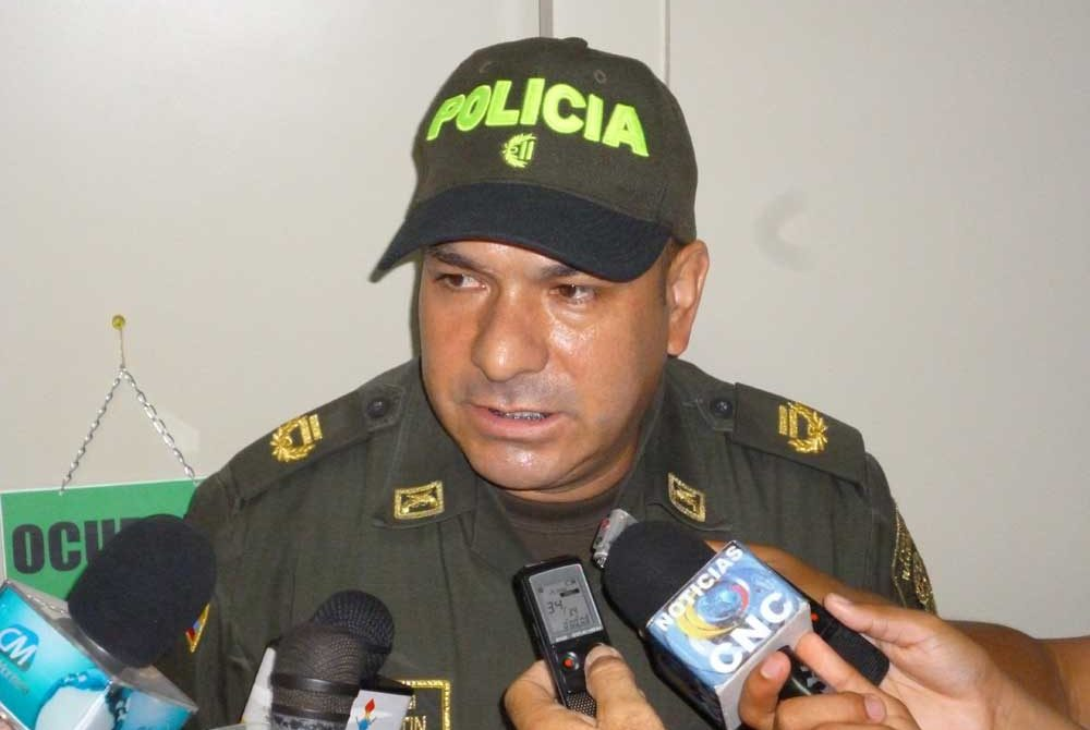 Coronel, Javier Martín, Comandante de la MEMONT.