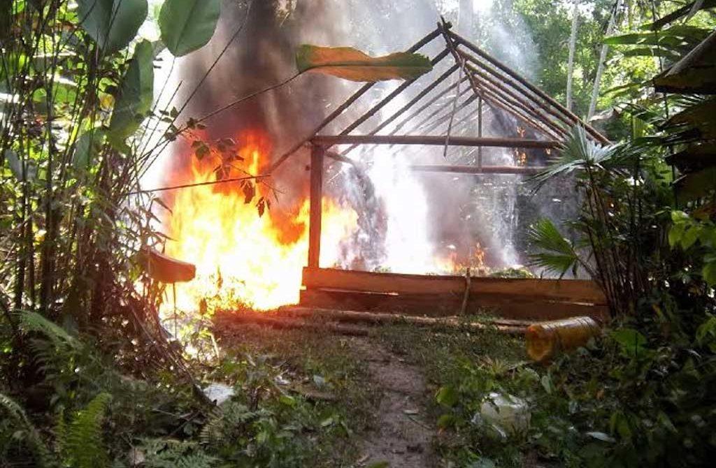 Destruyen laboratorio de las FARC.