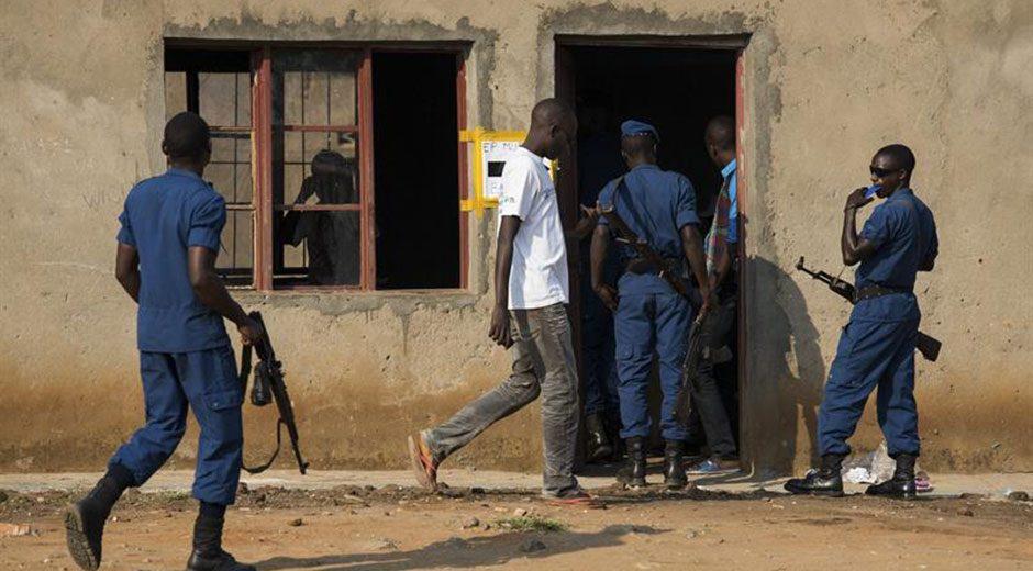 Burundi acude a las urnas en una gran tensión e incidentes