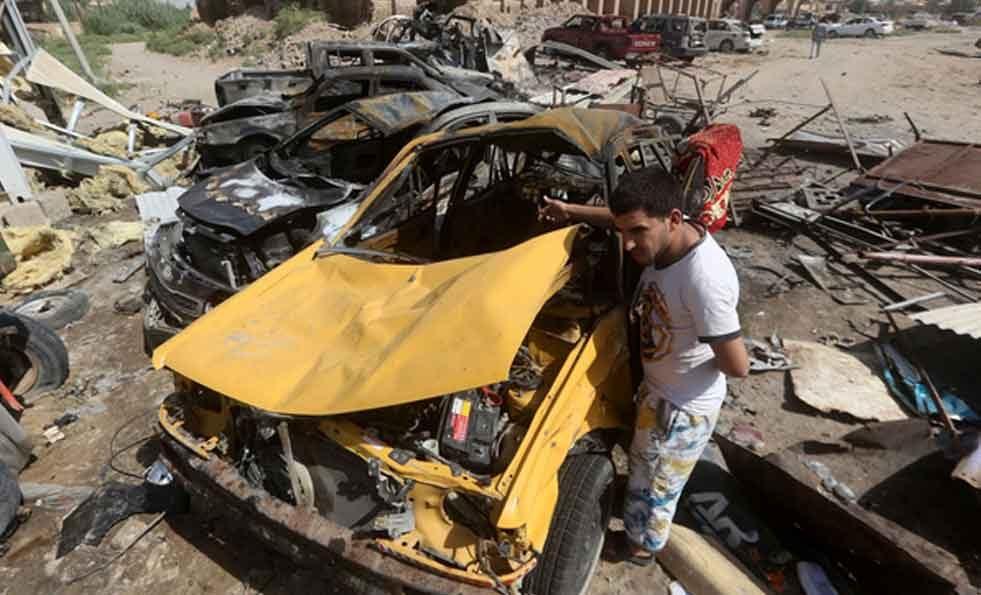 Al menos 90 muertos en el atentado suicida en un mercado en Irak