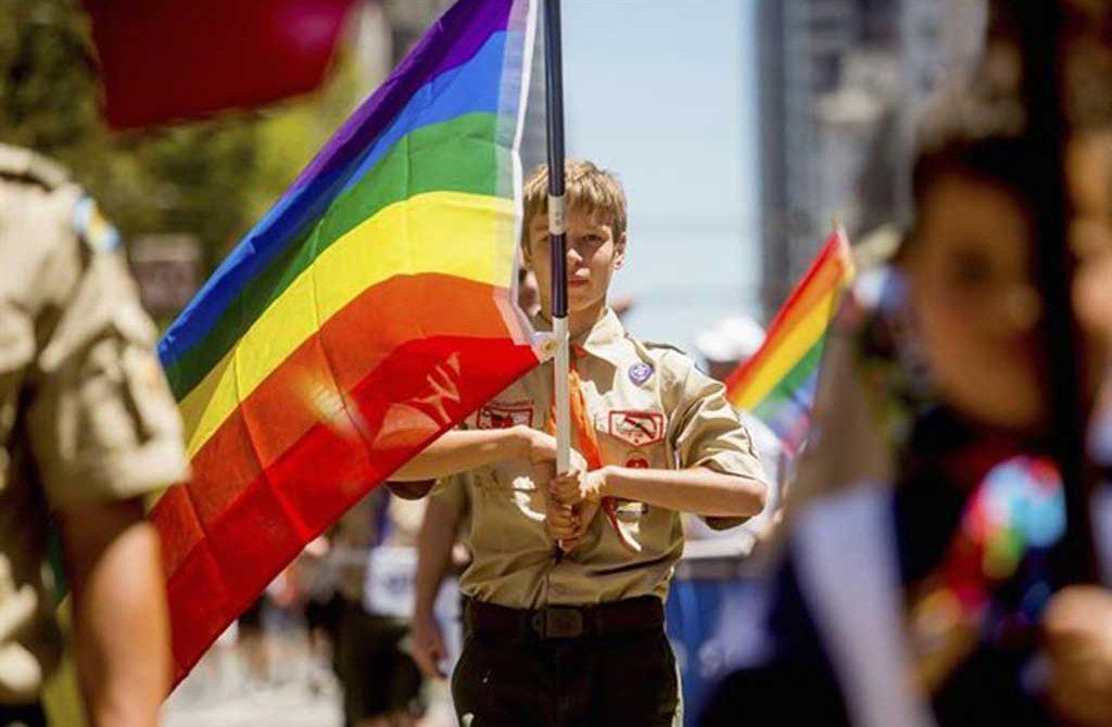 Los Boy Scouts ponen fin a sus políticas de discriminación sexual y tendrán líderes gays
