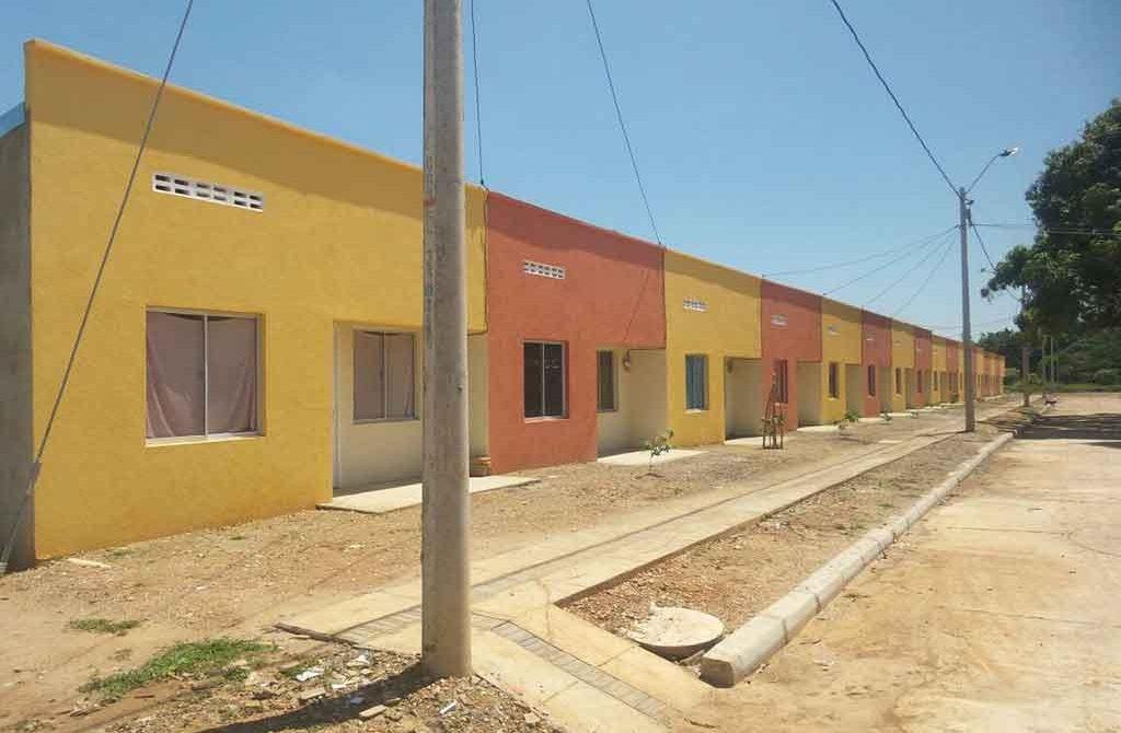 90 familias damnificadas por el invierno recibieron casas en Ayapel