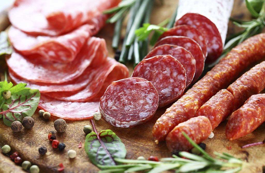 Comer mucho embutido aumenta el riesgo de insuficiencia cardíaca
