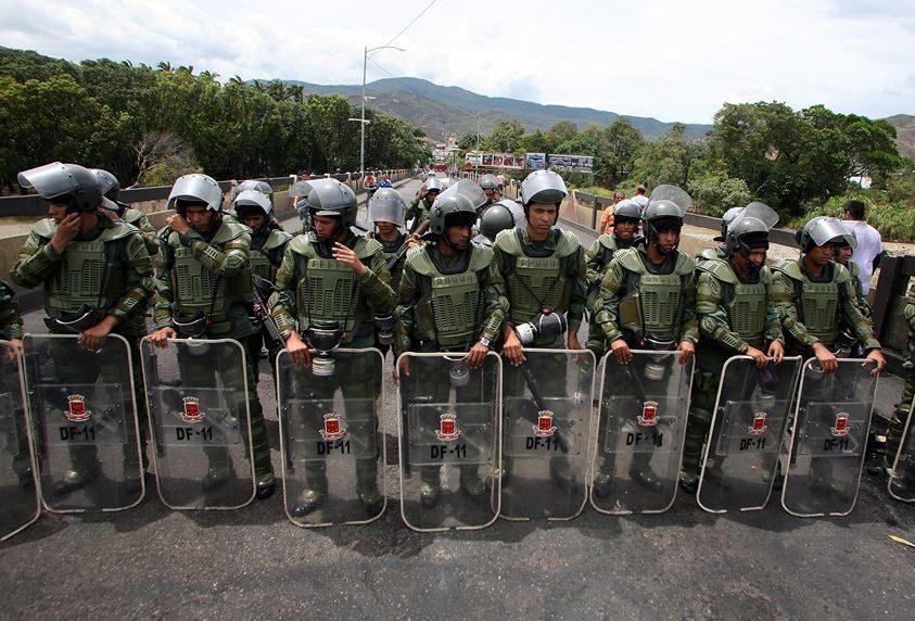 En la imagen, miembros de la Guardia venezolana. EFE/Archivo