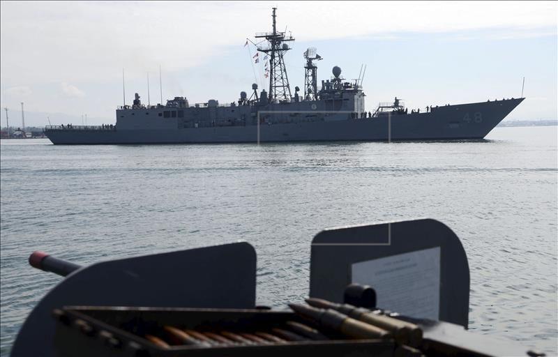 En plenas tensiones entre China y Estados Unidos por el mar de la China Meridional, el país asiático mejora sin pausa su flota naval y podría utilizar unos polémicos islotes artificiales que ha construido en esas aguas también para proteger a sus modernos submarinos con misiles nucleares