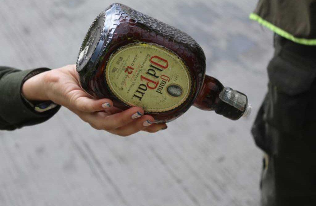 Descubren fábrica clandestina de licor adulterado en Cantaclaro