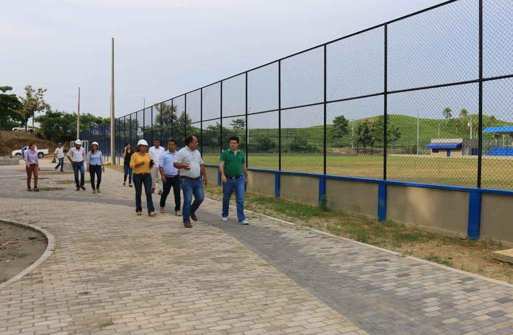 En un 80% avanzan los trabajos de construcción del parque lineal aledaño a los Estadios de Fútbol y de Béisbol de este municipio