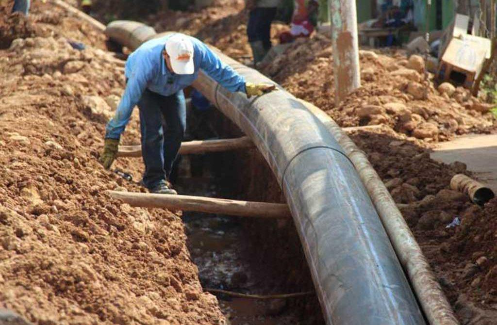En reparación daño a red matriz, que dejó sin agua a doce barrios de Montería