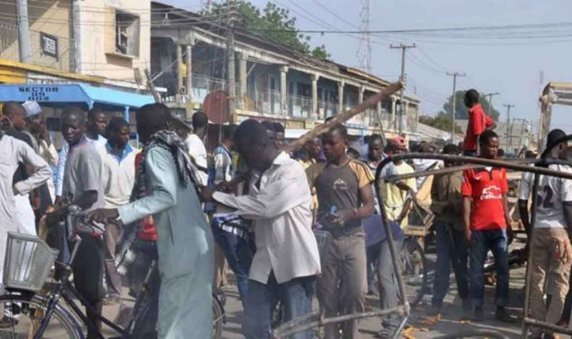 Niña suicida mata a 5 y deja heridas 41 personas en el noreste de Nigeria