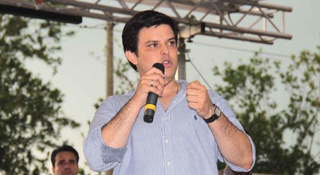 Gobernador hace un llamado a los funcionarios públicos a no participar en política