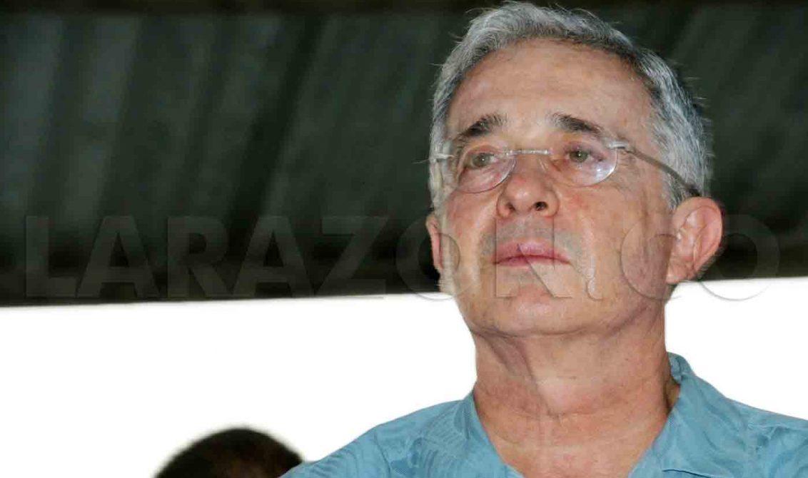 """El uribismo dice que la decisión de la OEA es """"otro fracaso"""" de la política de Santos"""