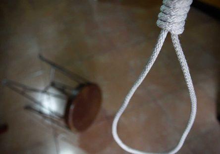 suicidio2_3_0-444x311.jpg