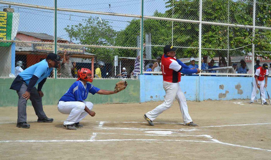El softbol empieza a jugarse en Montería