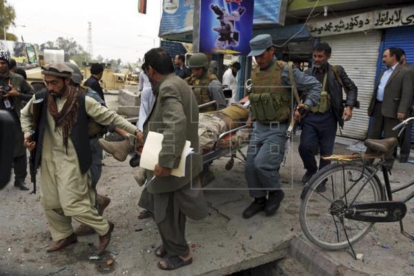 Al menos 7 muertos y 19 heridos en un ataque contra el consulado indio en Afganistán