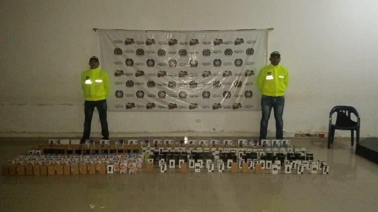 Incautan 200 celulares de contrabando en Montería