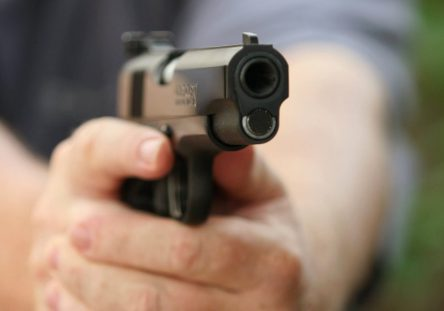 Pistola-1-444x311.jpg