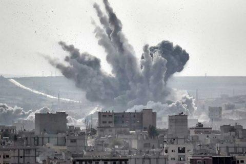 33 muertos dejan ataques de la coalición a centro de desplazados en Siria