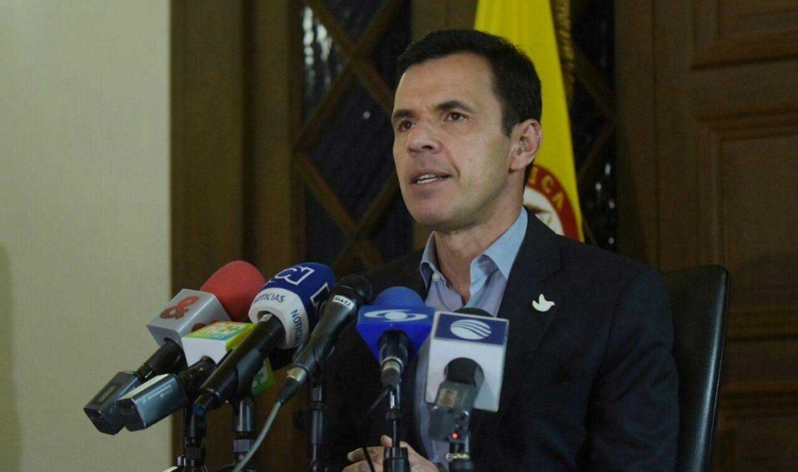 Hacer reversible este acuerdo de paz es imposible sus for Agenda ministro del interior