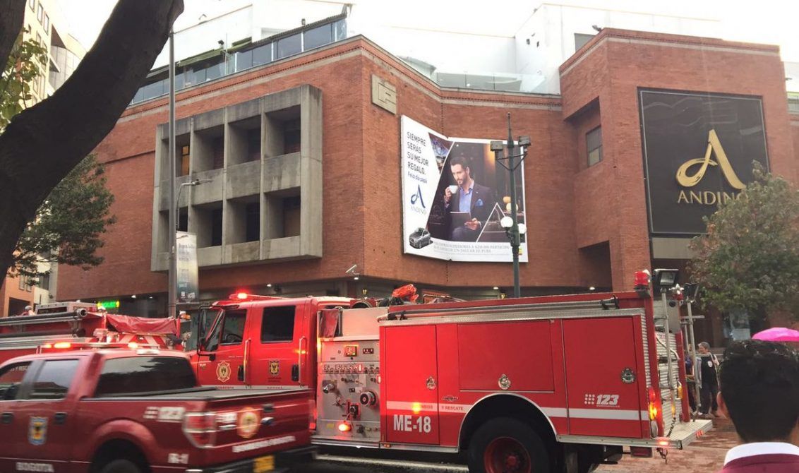 AVANCE: Explosión deja una personas muerta en centro comercial de Bogotá