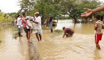 Inundaciones-Lorica-ayudas-342x200.jpg