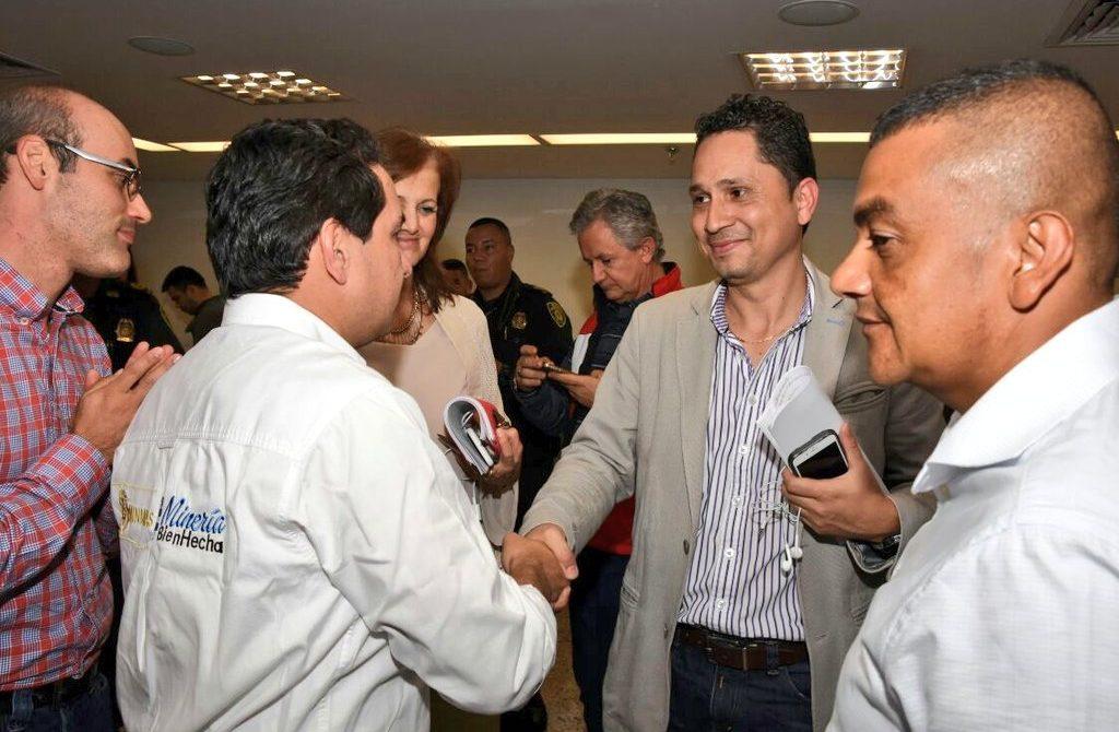 Mediación de la Procuraduría para levantar el paro de mineros en Antioquia