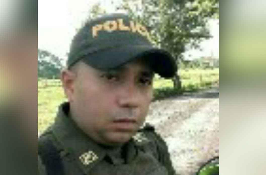 Mueren tres policías tras atentado con explosivos en Córdoba — VIDEOS
