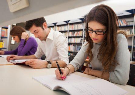 EstudiantesUniversitarios-444x311.jpg