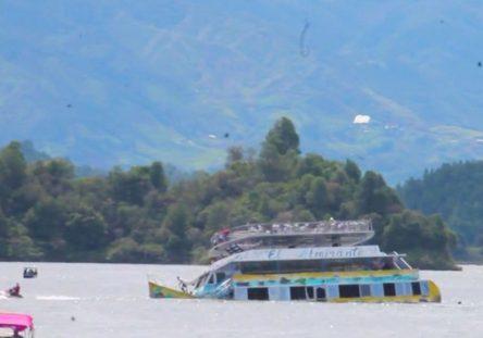 EmbarcaciónGuatapé-1-444x311.jpg
