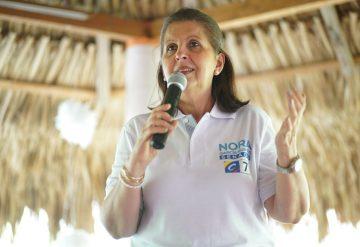 SenadoraNoraGarcia-360x247.jpg