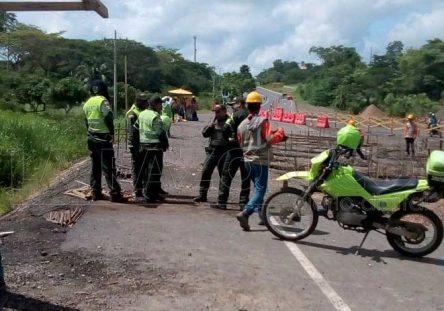 Policia-peaje-444x311.jpg