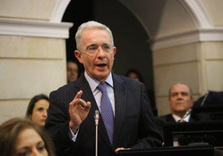 Alvaro-Uribe-Velez-444x311.jpg