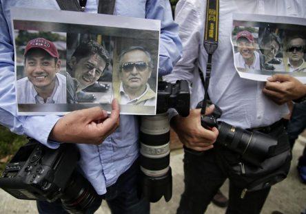 periodistas-ecuatorianos-Guacho-444x311.jpg
