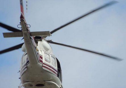 helicoptero-sobrevuela-barquisimeto-y-cabudare-lleva-soldado-con-fusil-julio-26-2017-b-444x311.jpg