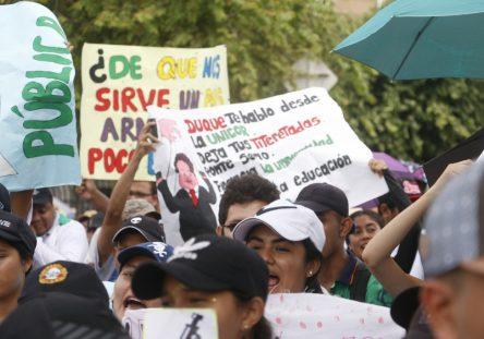 Marcha-estudiantil-Montería-32-444x311.jpg
