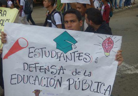 Marcha-estudiantil-Montería-6-444x311.jpg