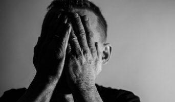 hombre-pensamientos-suicidas-pixabay-342x200.jpg