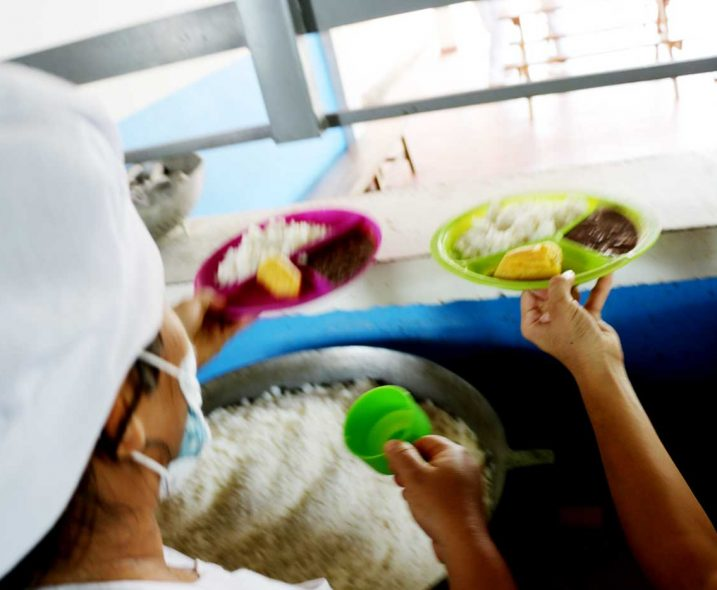 Alimentación-escolar-717x590.jpg
