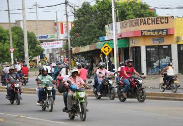 Mototaxistas-360x247.jpg