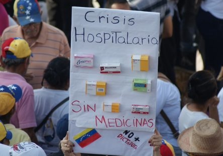 PROTESTAS-VENEZUELA-RAFAEL-BASTIDAS-9-1-444x311.jpg