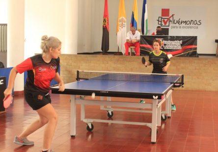 Los-tenimesistas-bolivarianos-defenderán-su-título-de-campeones-en-el-Nodo-Caribe.-444x311.jpg