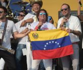 venezuela-aid-carlos-vives-1-165x140.jpg