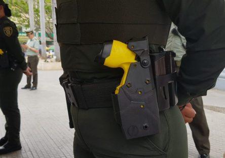 pistolas-taser-electricas-2-444x311.jpeg